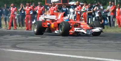 Ferrari 2008 F1 Car - Brutal Launch and Burnout