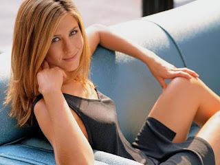 Jennifer Aniston ışıkçıyla birlikte olmuş