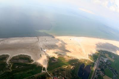 St. Peter-Ording: Fotos eines Tandem-Fallschirmabsprunges über dem ordinger Strand 35