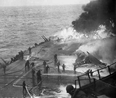 USS Saratoga dihantam satu Kamikaze