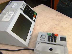 Sistema de biometria em urna eletrônica (Foto: Reprodução/EPTV)