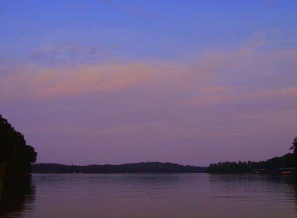 Lake Hartwell by http://dearmissmermaid.com