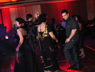 Duminda dancing at soma ediringhe party photo