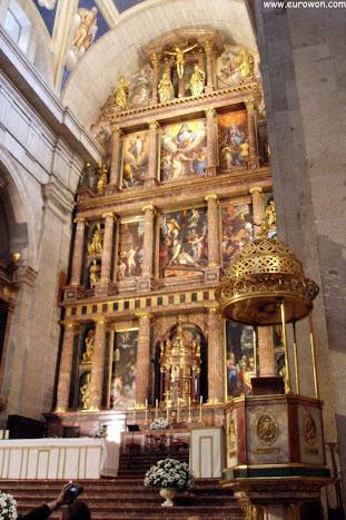 Interior de la basílica del Monasterio de El Escorial