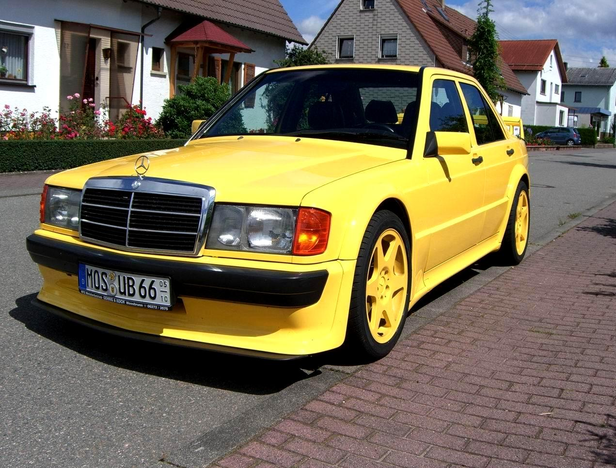 Mercedes_190e_evolution_yellow_1.jpg