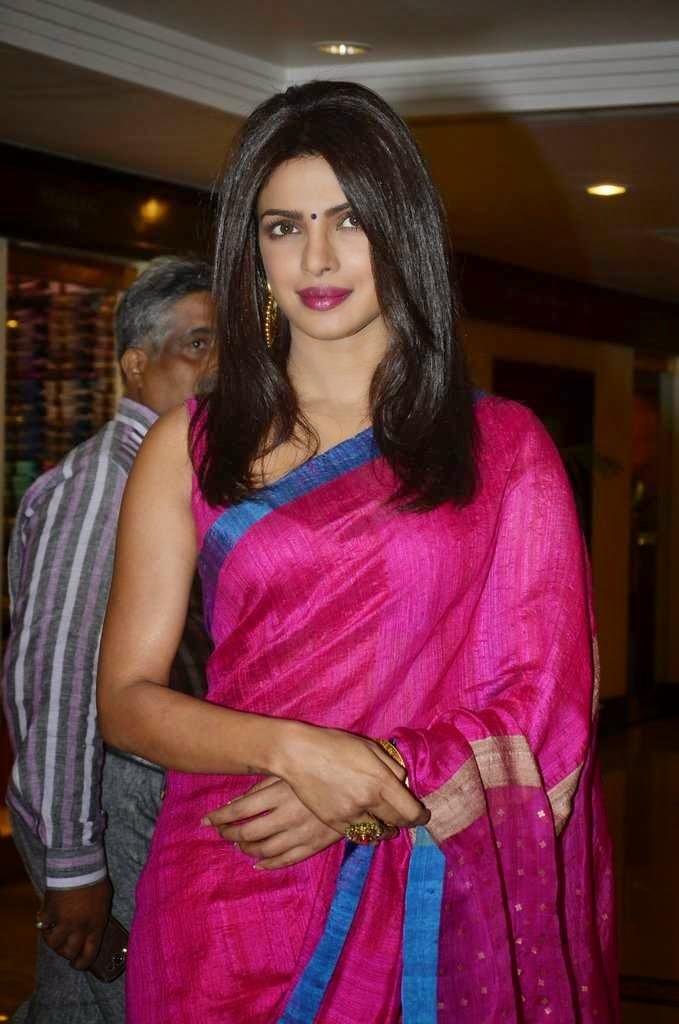 priyanka chopra hot saree pics