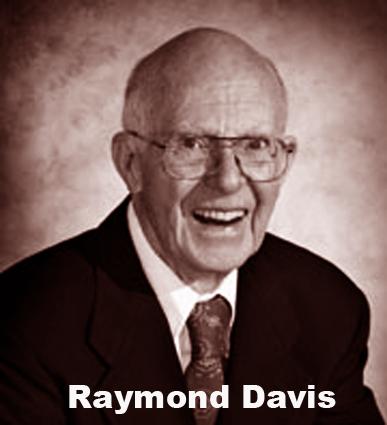Raymond Davis seorang fisikawan yang sabar dan murah hati