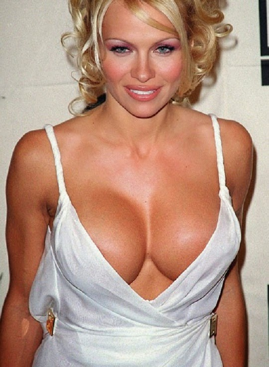 pamela-anderson-boobs