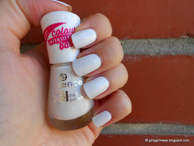 essence gel nailpolish wild white ways