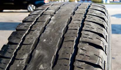 Penyebab Ban Mobil atau Motor Cepat Aus dan Tidak Awet