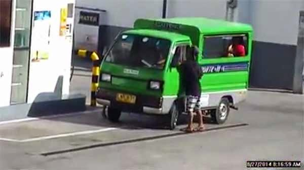 Street Kid Steals Davao Multicab Driver's Income