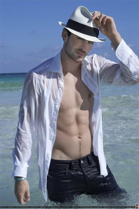 Shirtless Sexy: Ian Somerhalder