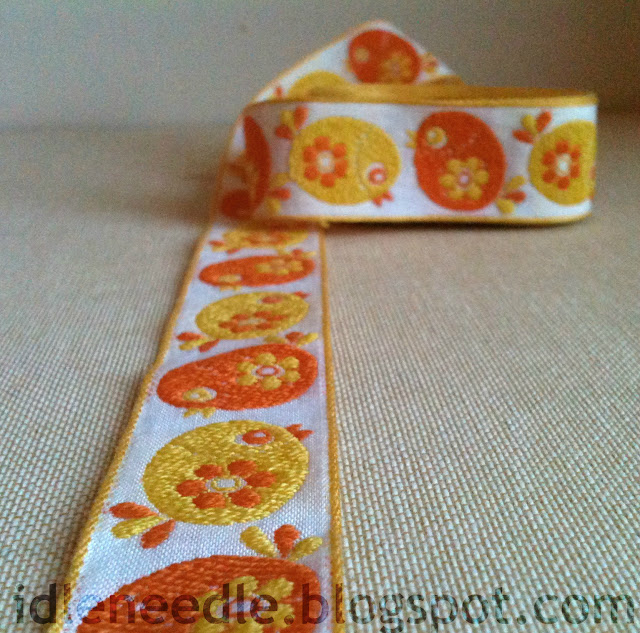 vintage woven braid chickens 70s 1970 70's blog giveaway sewing tape