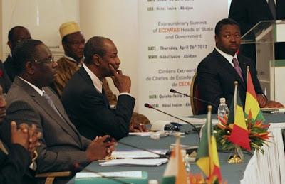 """Guiné-Bissau: """"Finalmente há luz verde"""" para saída da crise, diz MNE da Nigéria"""