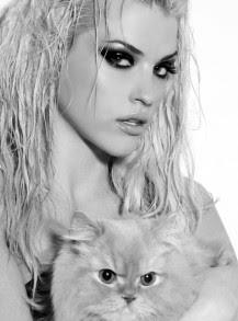 Моделката Бориса Тютюнджиева сподели, че много харесва младата изпълнителка Поли Генова.