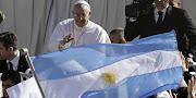 Te pedimos por nuestro Papa Francisco I; que experimente la fuerza de tu . papa francisco saludo