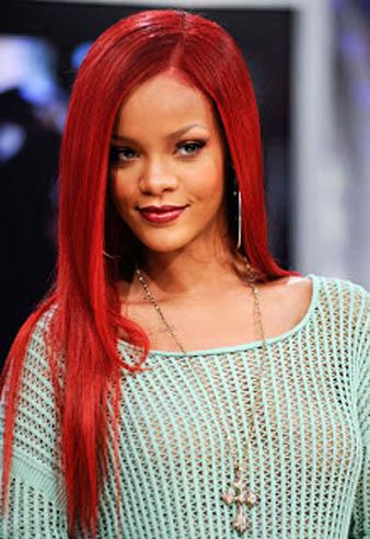 Rihanna çilek kızılı saç rengi