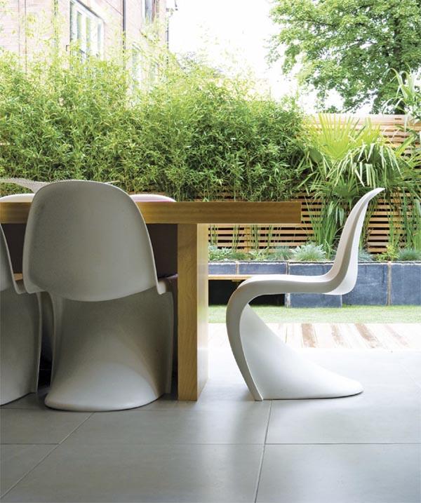 mesa de comedor en jardin estilo zen