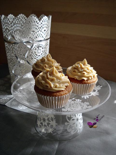 cupcakes, cupcakes de turrón, navidad, turrón, turrón de jijona,