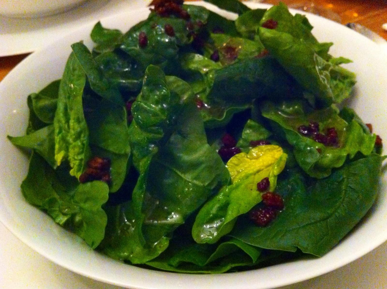 l art de gourmet spinatsalat mit speckw rfeln knusprige barbarieente mit rosenkohl und. Black Bedroom Furniture Sets. Home Design Ideas
