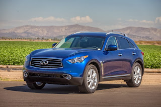 You have needs? Infiniti QX70 fills the bill