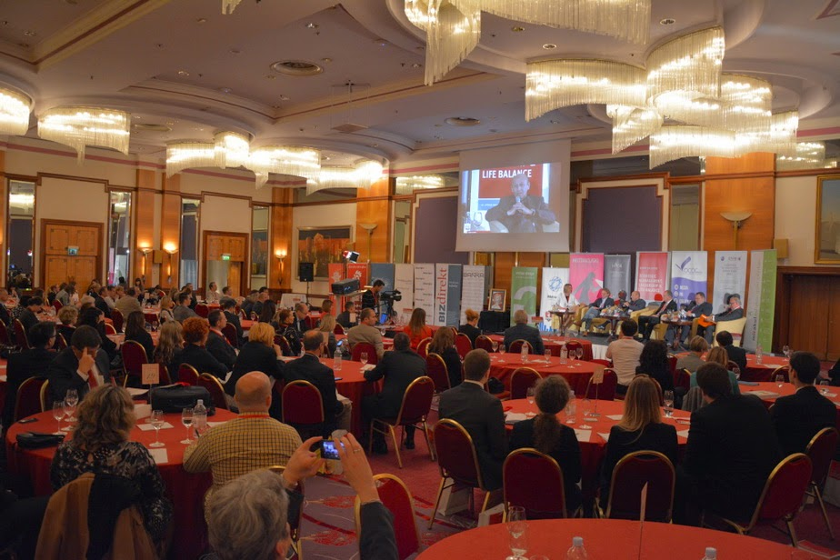 http://www.advertiser-serbia.com/lideri-za-lidere-saznajte-najnovije-poslovne-marketinske-i-tehnoloske-trendove/