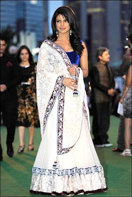 Fashion by Beauties at IIFA Awards 2011
