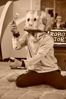 Nozomi - Robot, ktory pokochal kwiaty - Buskerbus Wroclaw 2011