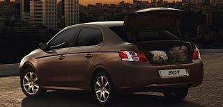 Peugeot-301-Autos-Gallito-Luis-Exterior-Valija