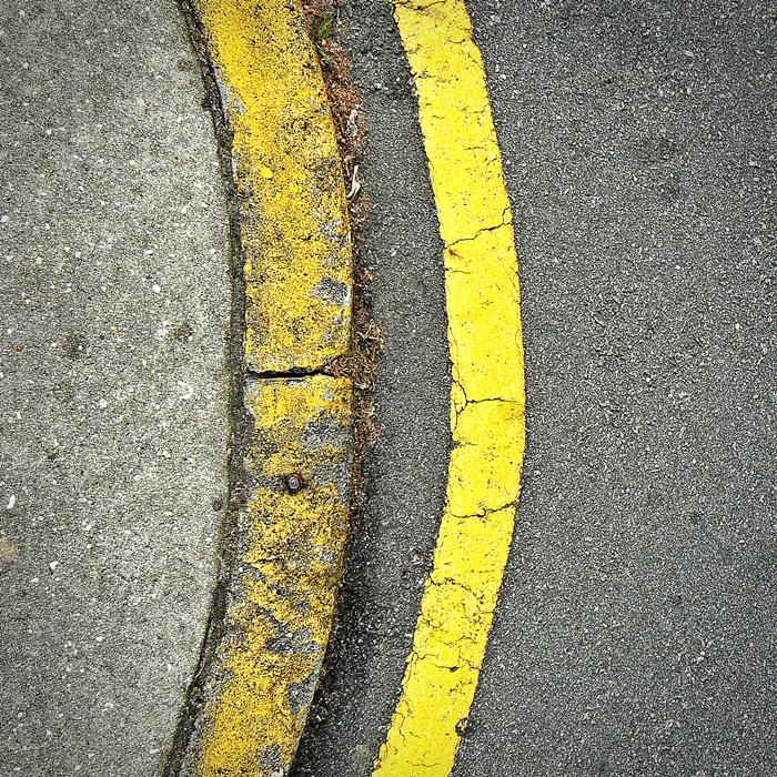 amarela_estrada_passeio_traço_amarelo_fotografia