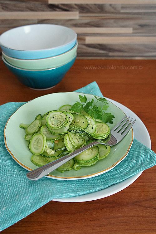 Zucchine trifolate all'aglio ricetta contorno light e saporito light veggie garlic zucchini recipe