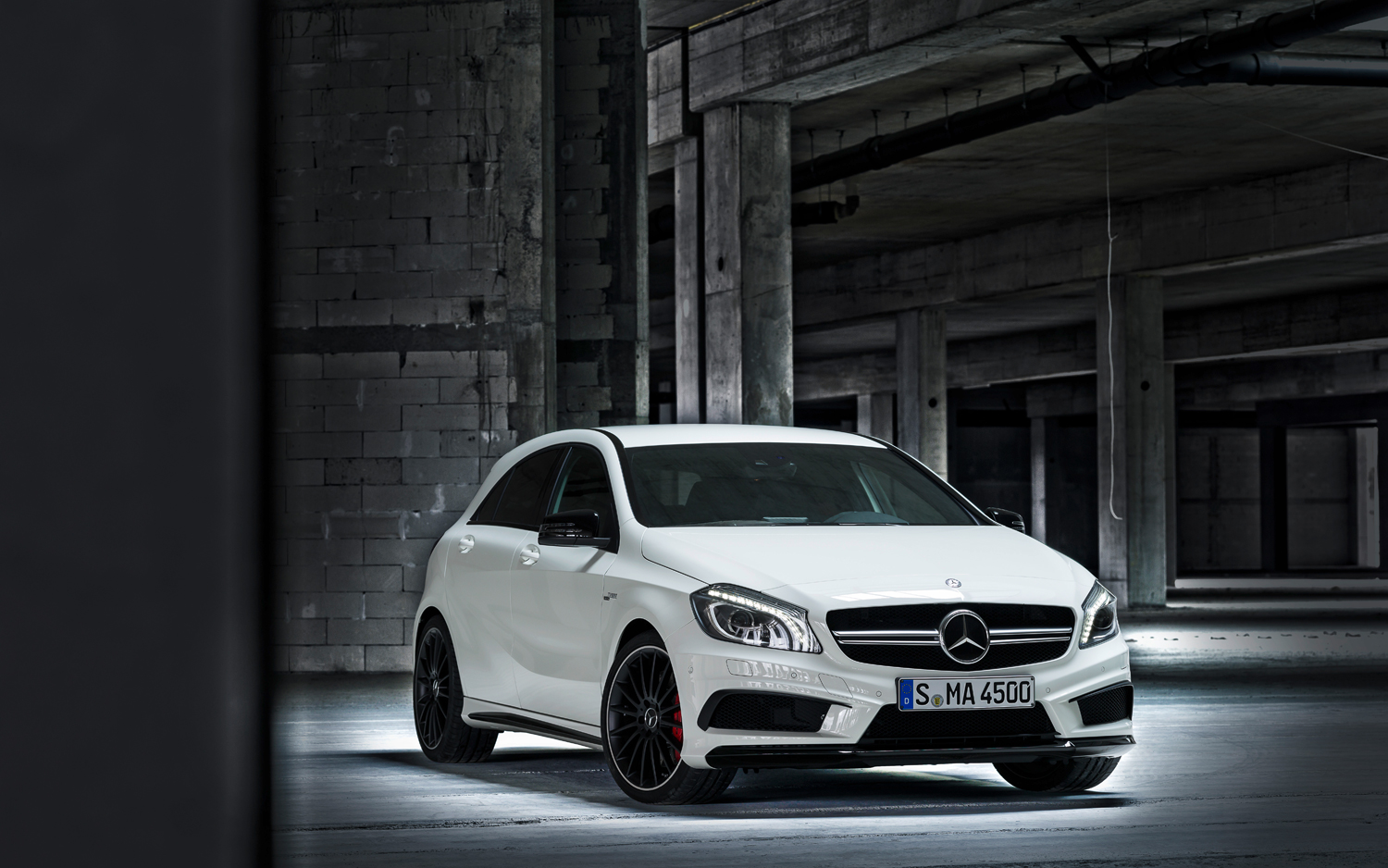 2014 Mercedes-Benz A45 AMG-3.bp.blogspot.com