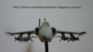 avión en miniatura marca Italeri 1/100 AMX International Ghibli