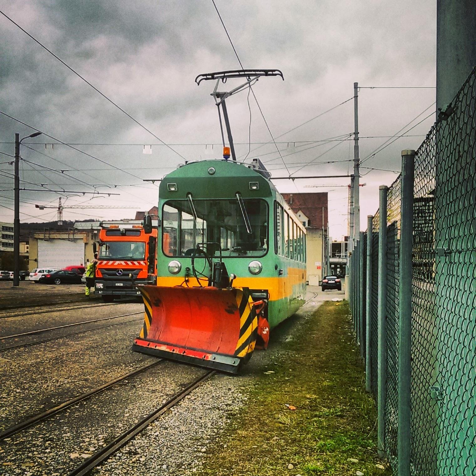 Zürich Schweiz Limmat Tram Schneeschieber