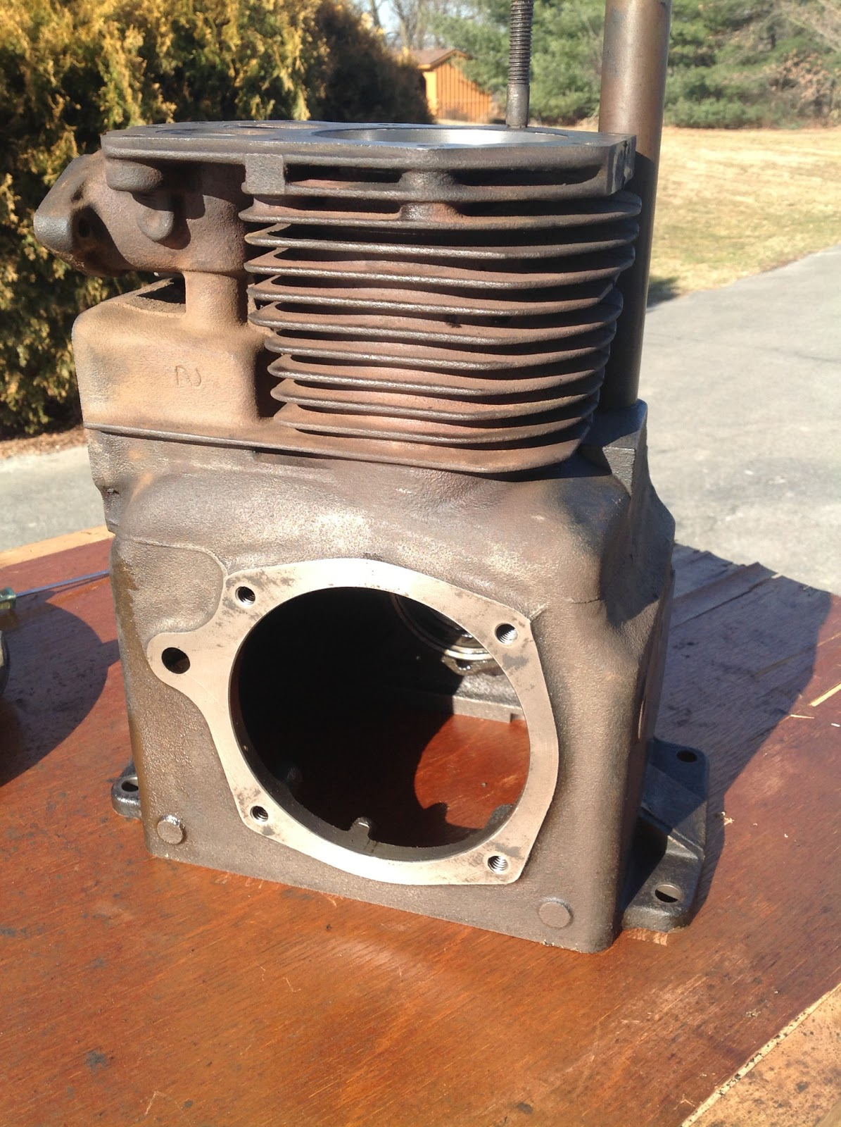 robert s projects kohler k341 engine overhaul this is a solidly built engine and weighs somewhere around 90 pounds when assembled once disassembled the bare block was easy to pick up and turn over to