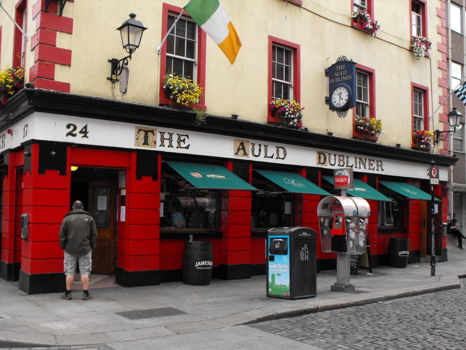 Temple Bar Dublin Temple Bar The Auld Dubliner Pub Temple Bar