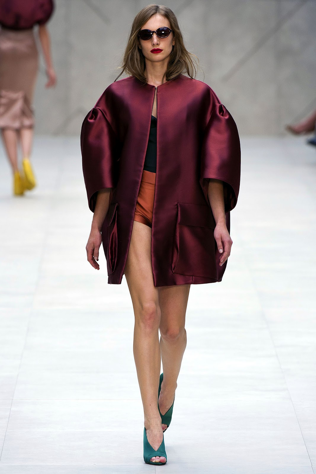 Модные пальто с показов