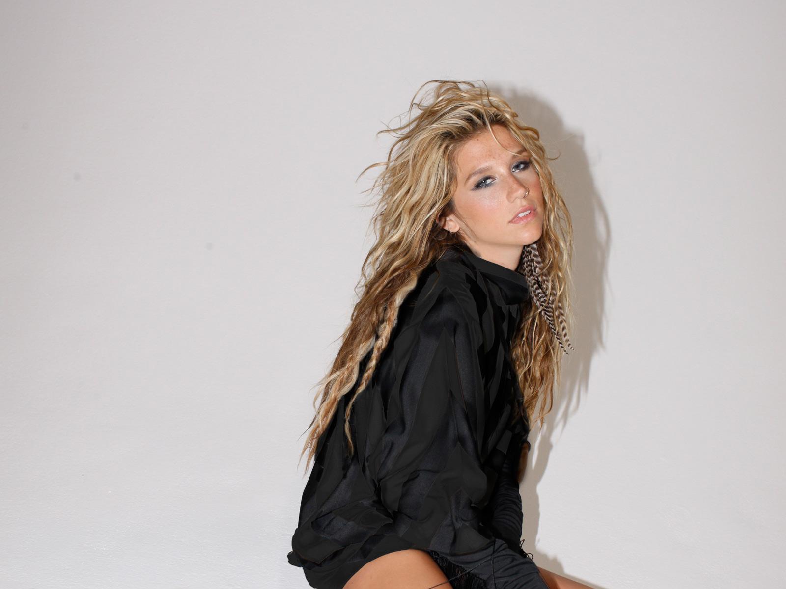 http://3.bp.blogspot.com/-FOWhNQEjWDg/ToYeXnxFPuI/AAAAAAAAB8w/27xavmP5K7w/s1600/Kesha_Rose_Sebert.jpg
