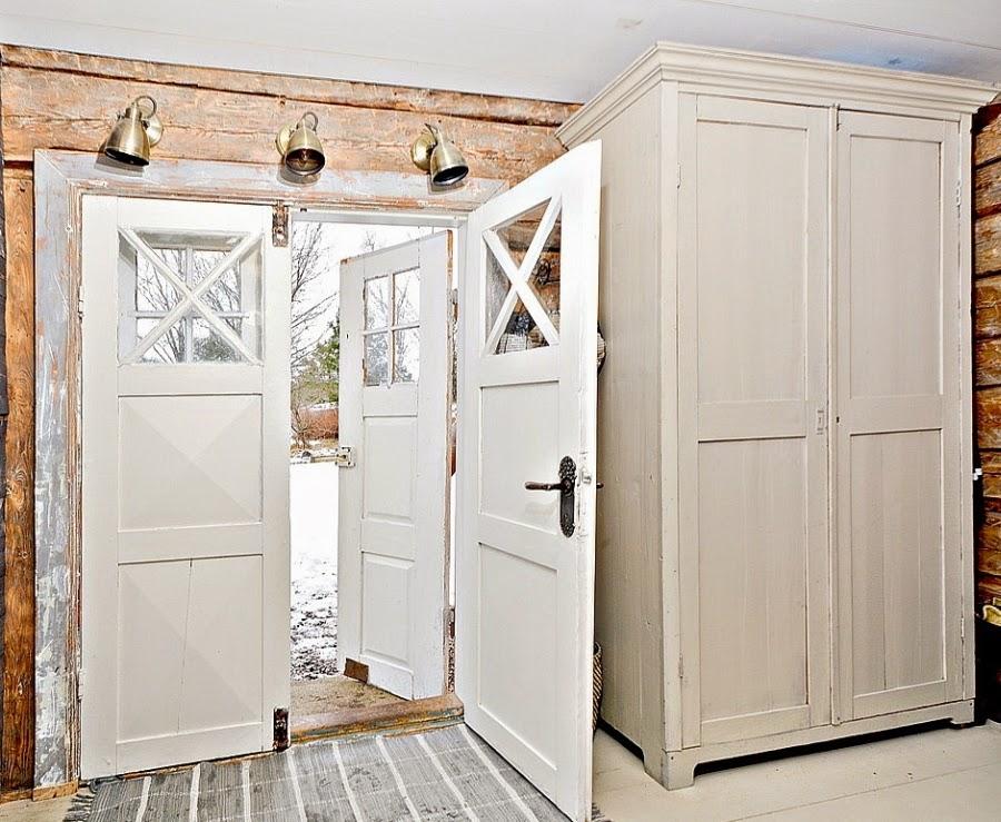 wystrój wnętrz, wnętrza, urządzanie mieszkania, dom, home decor, dekoracje, aranżacje, styl skandynawski, białe wnętrza, skandynawski, drewniany domek, przedpokój