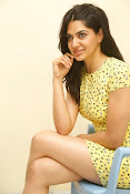 Sakshi chowdary sizzling pics-thumbnail-9