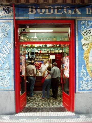 Bodega De La Ardosa En Santa Engracia Caminando Por Madrid