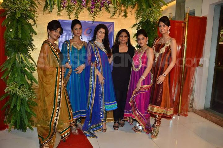 , Indian Models Display Saree Lehnga Collection Of Bhagyshree New Store