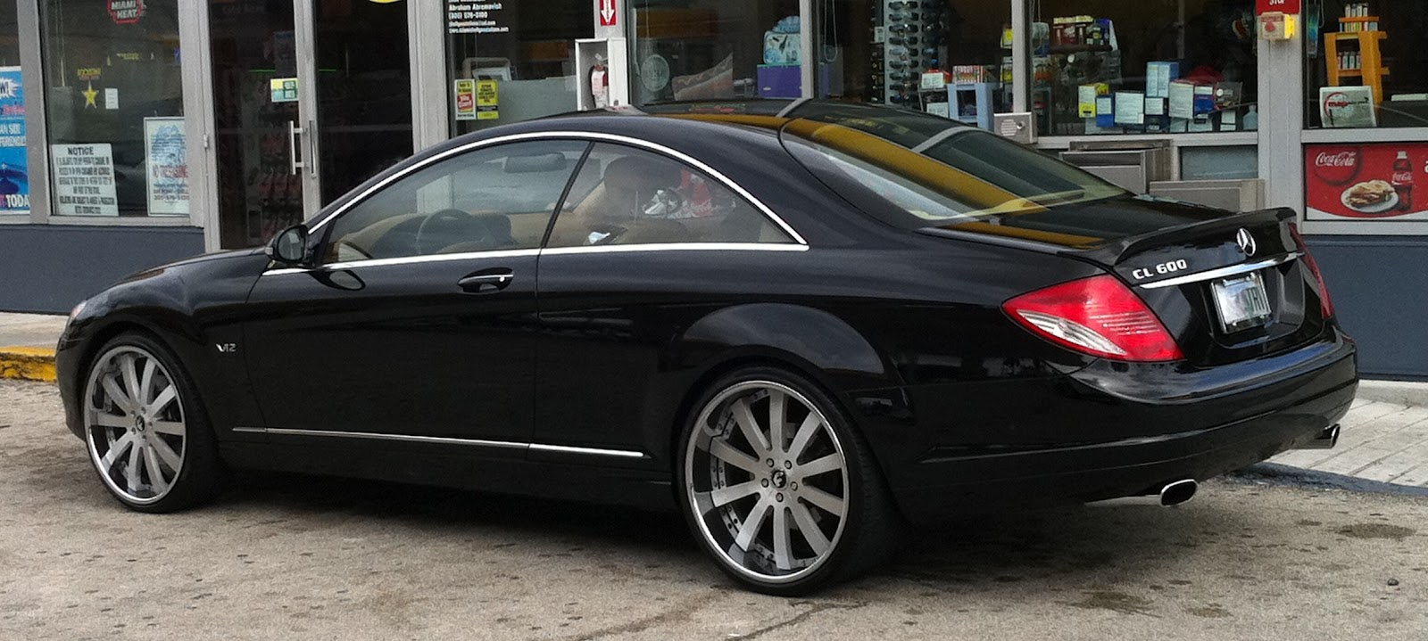 Black mercedes benz cl 600 with custom rims for Mercedes benz custom cars