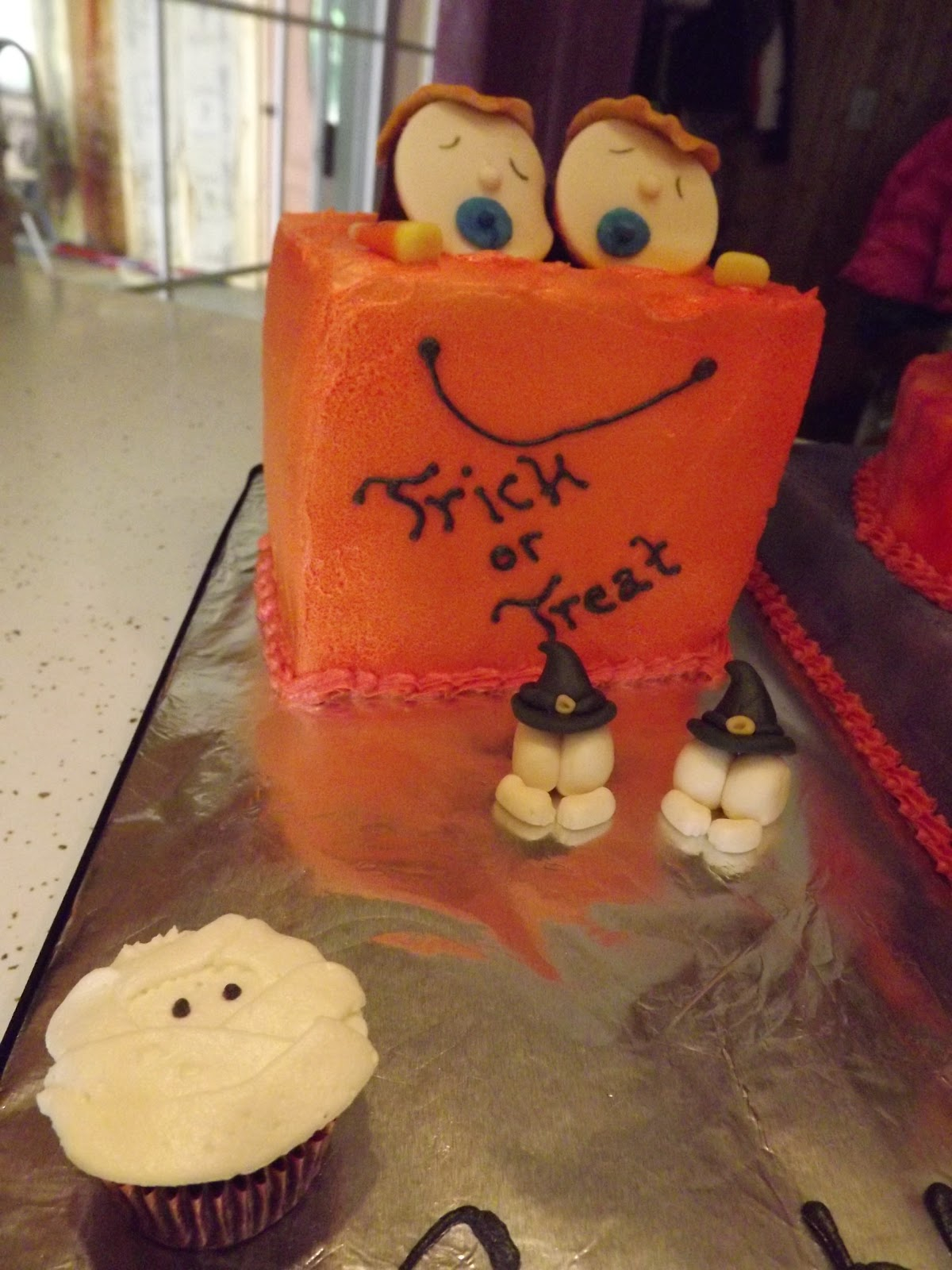the crafty couple halloween baby shower cake for twins