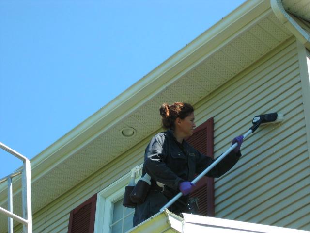 Nettoyage ext rieur de maison l pageau 418 930 7192 un for Nettoyage maison exterieur