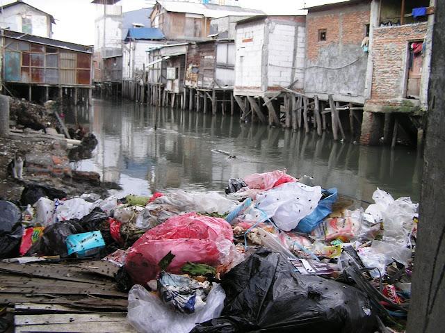 Naik Derajat, Sampah Diurus 15 Menteri