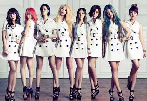 Check out t-ara eunjung, qri and hyomins colorful group picture