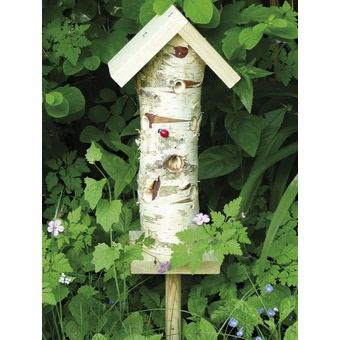 Il mondo in un giardino il riposo della coccinella for Planimetrie semplici della casetta di legno