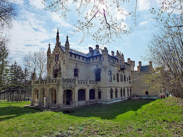palatul miclauseni aprilie 2013