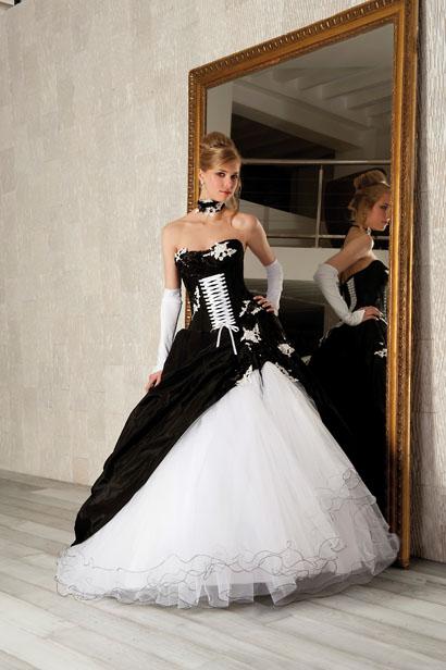 Coiffurete Dance: La robe de mariée blanche et noire